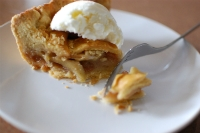 Deliciously Perfect Apple Pie